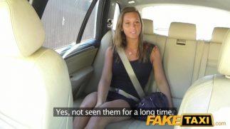 Arabada gizlice public agent pornosu çekiyor