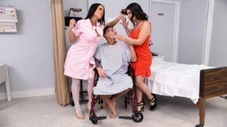 Azgın Hemşire Hastasına Aşık Olunca Ortalık Karışıyor
